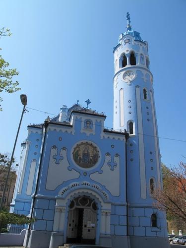 iglesia%20azul%20eslovaquia.jpg