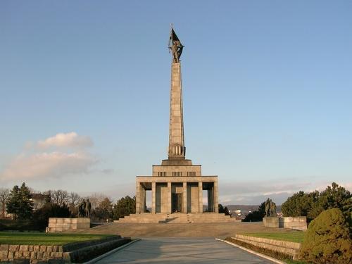 obelisco%20eslovaquia.jpg